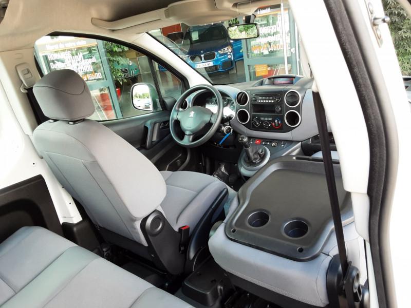 Photo 10 de l'offre de PEUGEOT PARTNER CABINE APPROFONDIE L2 1.6 HDI 90CH BVM5  à 13990€ chez Centrale Auto Marché Mussidan