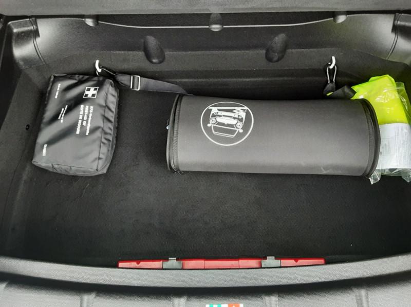 Photo 15 de l'offre de MINI COUNTRYMAN Mini Countryman 184 ch ALL4 Cooper S Pack Red Hot  à 13990€ chez Centrale Auto Marché Mussidan