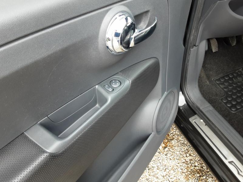 Photo 20 de l'offre de FIAT 500 1.3 Multijet 75 ch DPF Pop à 4900€ chez Centrale Auto Marché Mussidan