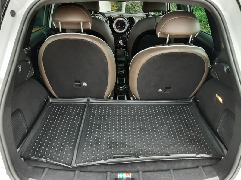 Photo 16 de l'offre de MINI COUNTRYMAN Mini Countryman 184 ch ALL4 Cooper S Pack Red Hot  à 13990€ chez Centrale Auto Marché Mussidan