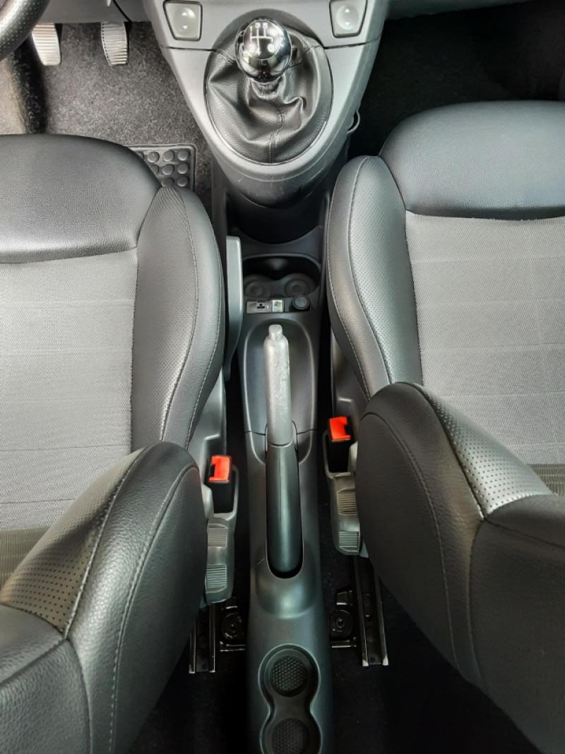 Photo 31 de l'offre de FIAT 500 1.3 Multijet 75 ch DPF Pop à 4900€ chez Centrale Auto Marché Mussidan