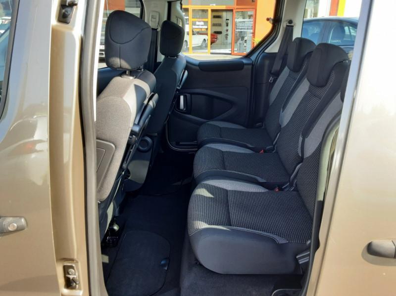 Photo 12 de l'offre de PEUGEOT PARTNER Tepee 1.6 BlueHDi 100ch SetS BVM5 Outdoor à 14990€ chez Centrale Auto Marché Mussidan