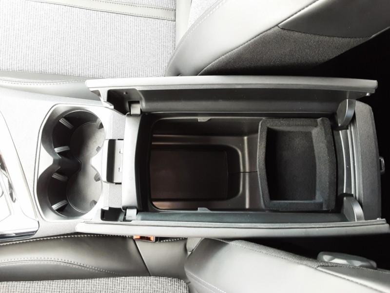 Photo 33 de l'offre de PEUGEOT 3008 1.6 BlueHDi 120ch SetS BVM6 Allure à 20500€ chez Centrale Auto Marché Mussidan