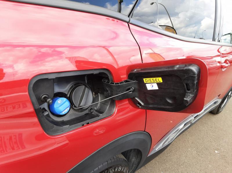 Photo 7 de l'offre de PEUGEOT 3008 1.6 BlueHDi 120ch SetS BVM6 Allure à 20500€ chez Centrale Auto Marché Mussidan