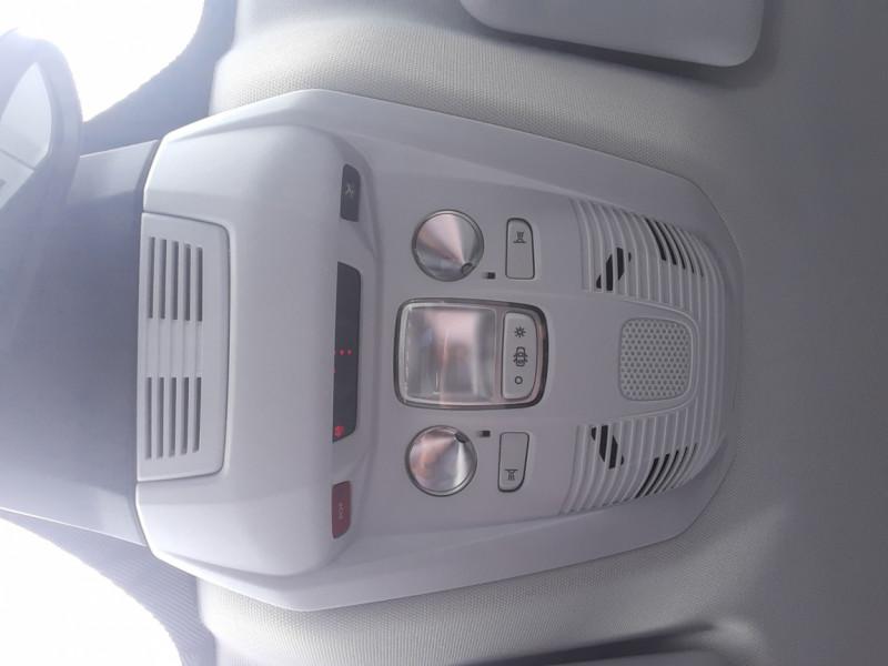 Photo 32 de l'offre de PEUGEOT 3008 1.6 BlueHDi 120ch SetS BVM6 Allure à 20500€ chez Centrale Auto Marché Mussidan