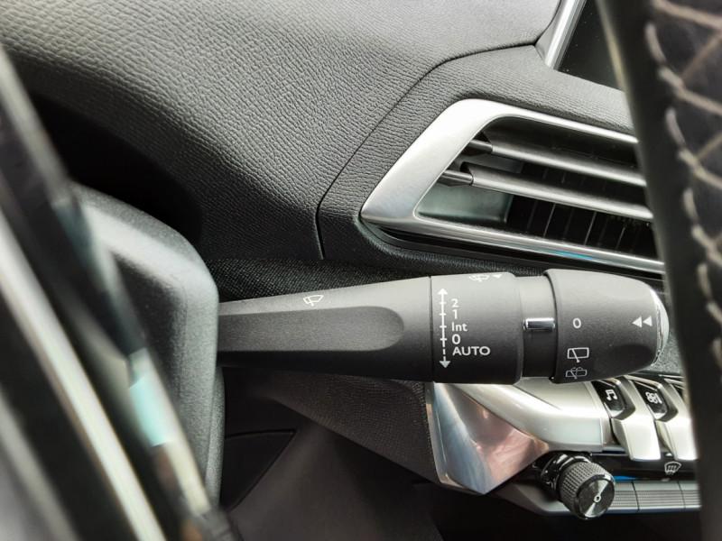 Photo 29 de l'offre de PEUGEOT 3008 1.6 BlueHDi 120ch SetS BVM6 Allure à 20500€ chez Centrale Auto Marché Mussidan