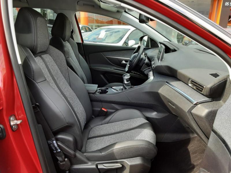 Photo 15 de l'offre de PEUGEOT 3008 1.6 BlueHDi 120ch SetS BVM6 Allure à 20500€ chez Centrale Auto Marché Mussidan