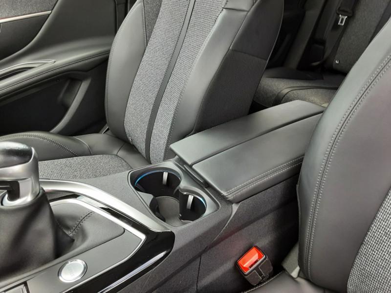 Photo 26 de l'offre de PEUGEOT 3008 1.6 BlueHDi 120ch SetS BVM6 Allure à 20500€ chez Centrale Auto Marché Mussidan
