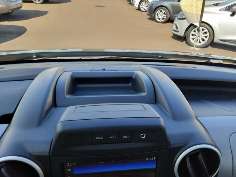 Photo 36 de l'offre de PEUGEOT PARTNER Tepee 1.6 BlueHDi 100ch SetS BVM5 Outdoor à 14990€ chez Centrale Auto Marché Mussidan