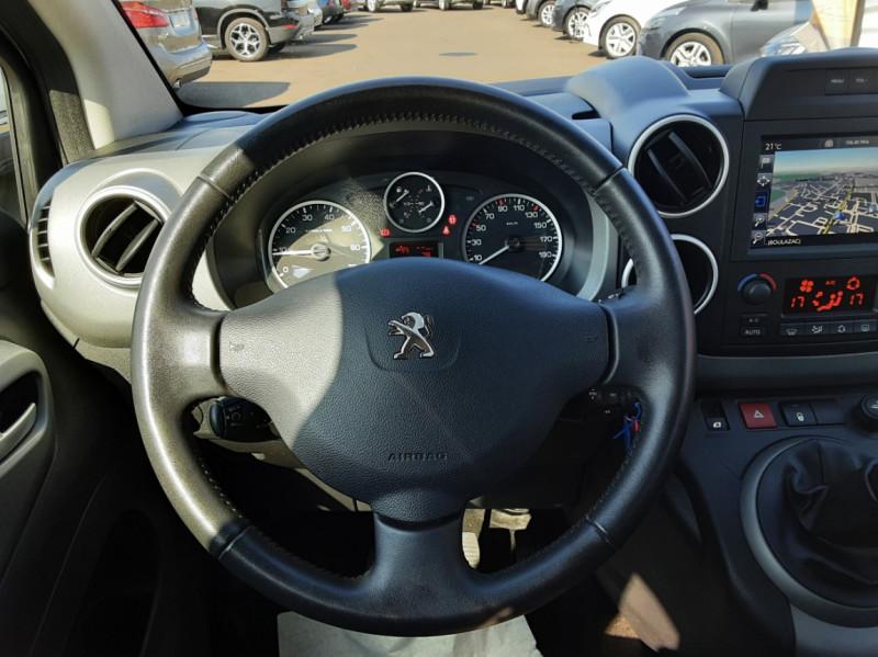 Photo 29 de l'offre de PEUGEOT PARTNER Tepee 1.6 BlueHDi 100ch SetS BVM5 Outdoor à 14990€ chez Centrale Auto Marché Mussidan