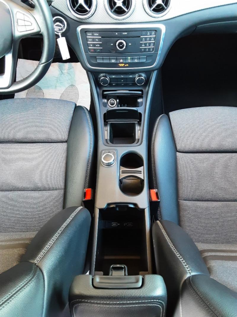 Photo 39 de l'offre de MERCEDES-BENZ CLASSE GLA 200 d Inspiration 7-G DCT A à 21800€ chez Centrale Auto Marché Mussidan