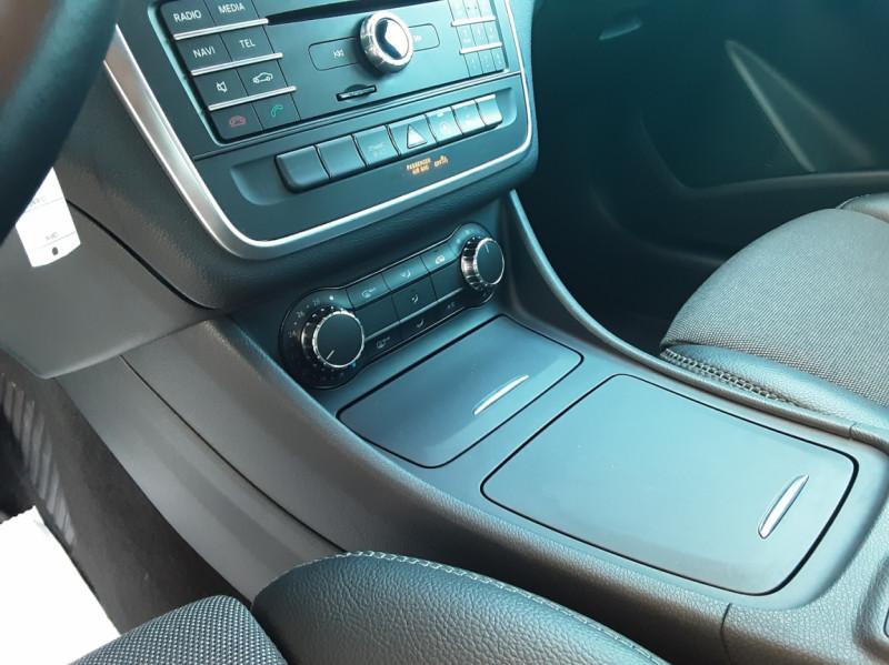 Photo 49 de l'offre de MERCEDES-BENZ CLASSE GLA 200 d Inspiration 7-G DCT A à 21800€ chez Centrale Auto Marché Mussidan