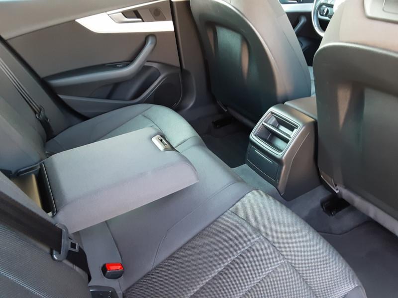 Photo 48 de l'offre de AUDI A4 Avant 2.0 TDI 150 Business Line à 20990€ chez Centrale Auto Marché Mussidan