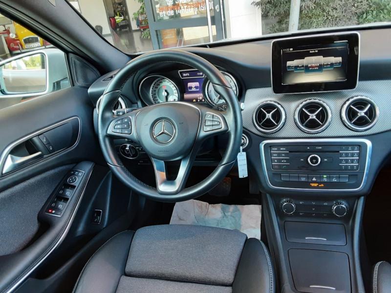 Photo 33 de l'offre de MERCEDES-BENZ CLASSE GLA 200 d Inspiration 7-G DCT A à 21800€ chez Centrale Auto Marché Mussidan