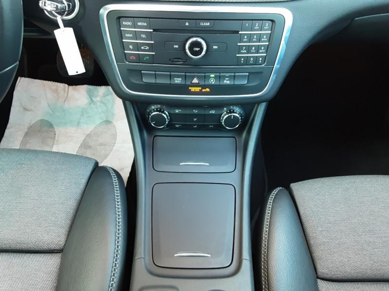 Photo 38 de l'offre de MERCEDES-BENZ CLASSE GLA 200 d Inspiration 7-G DCT A à 21800€ chez Centrale Auto Marché Mussidan