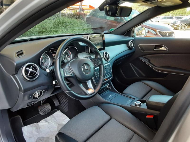 Photo 24 de l'offre de MERCEDES-BENZ CLASSE GLA 200 d Inspiration 7-G DCT A à 21800€ chez Centrale Auto Marché Mussidan