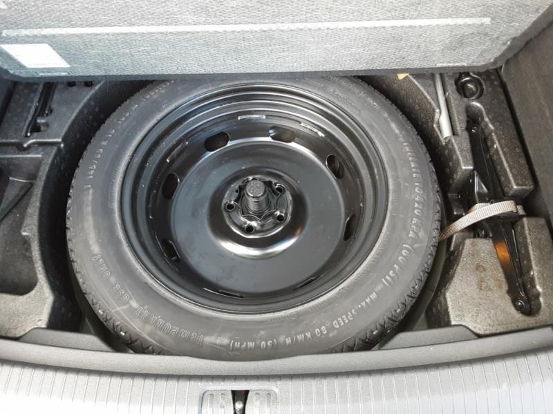 Photo 18 de l'offre de VOLKSWAGEN TIGUAN 2.0 TDI 150 BMT DSG7 4Motion Exclusive à 29900€ chez Centrale Auto Marché Mussidan