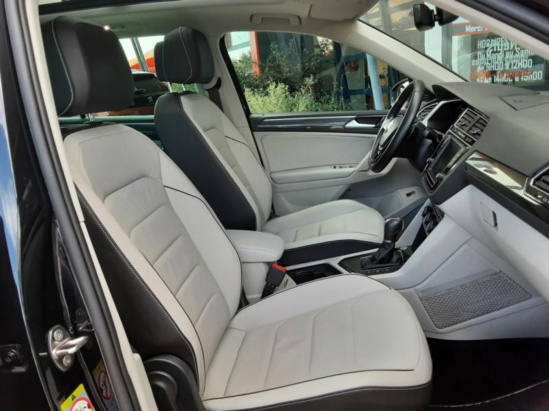 Photo 28 de l'offre de VOLKSWAGEN TIGUAN 2.0 TDI 150 BMT DSG7 4Motion Exclusive à 29900€ chez Centrale Auto Marché Mussidan