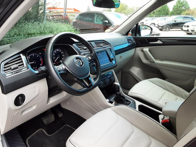 Photo 27 de l'offre de VOLKSWAGEN TIGUAN 2.0 TDI 150 BMT DSG7 4Motion Exclusive à 29900€ chez Centrale Auto Marché Mussidan