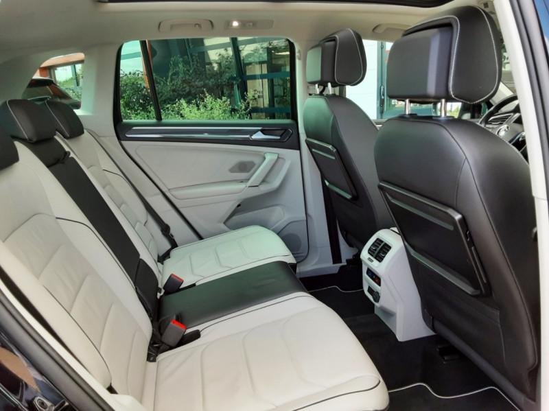 Photo 32 de l'offre de VOLKSWAGEN TIGUAN 2.0 TDI 150 BMT DSG7 4Motion Exclusive à 29900€ chez Centrale Auto Marché Mussidan