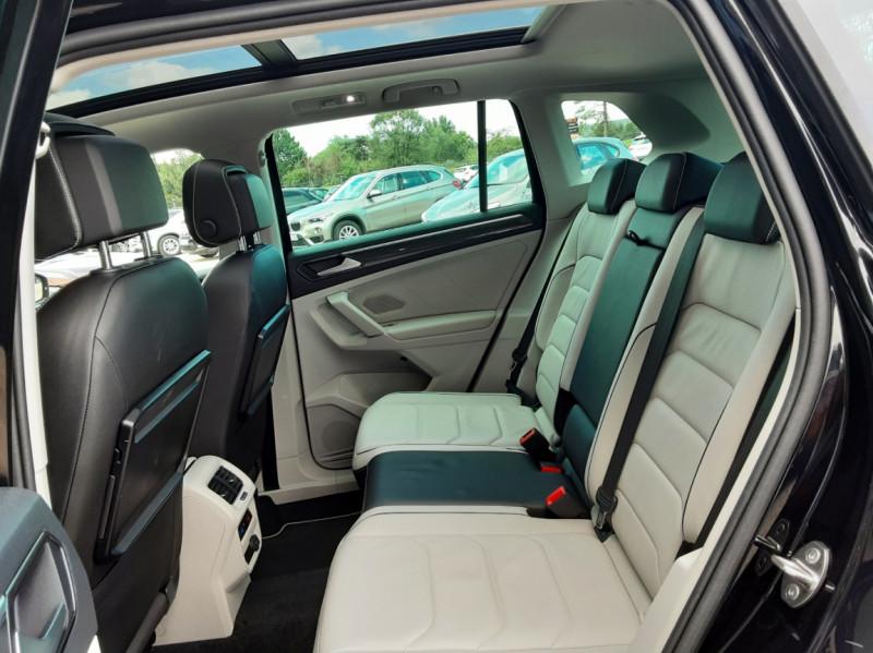 Photo 22 de l'offre de VOLKSWAGEN TIGUAN 2.0 TDI 150 BMT DSG7 4Motion Exclusive à 29900€ chez Centrale Auto Marché Mussidan