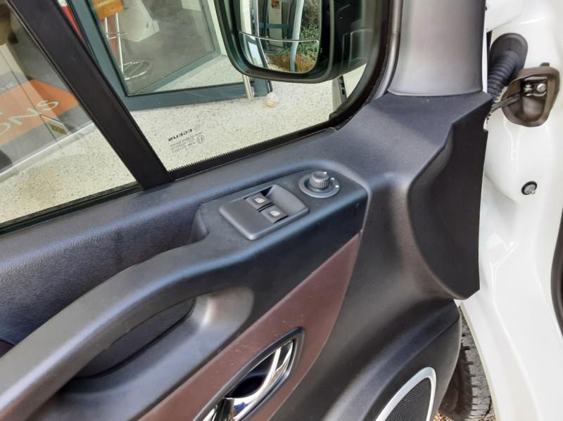 Photo 30 de l'offre de FIAT TALENTO L2H1 1.6 MULTIJET 95 PACK PRO NAV à 19490€ chez Centrale Auto Marché Mussidan