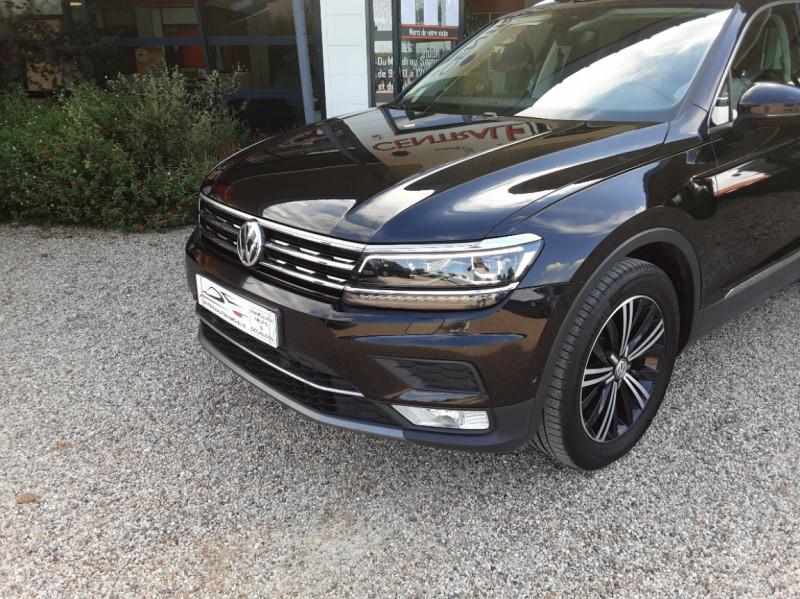 Photo 4 de l'offre de VOLKSWAGEN TIGUAN 2.0 TDI 150 BMT DSG7 4Motion Exclusive à 29900€ chez Centrale Auto Marché Mussidan