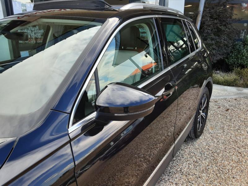 Photo 7 de l'offre de VOLKSWAGEN TIGUAN 2.0 TDI 150 BMT DSG7 4Motion Exclusive à 29900€ chez Centrale Auto Marché Mussidan