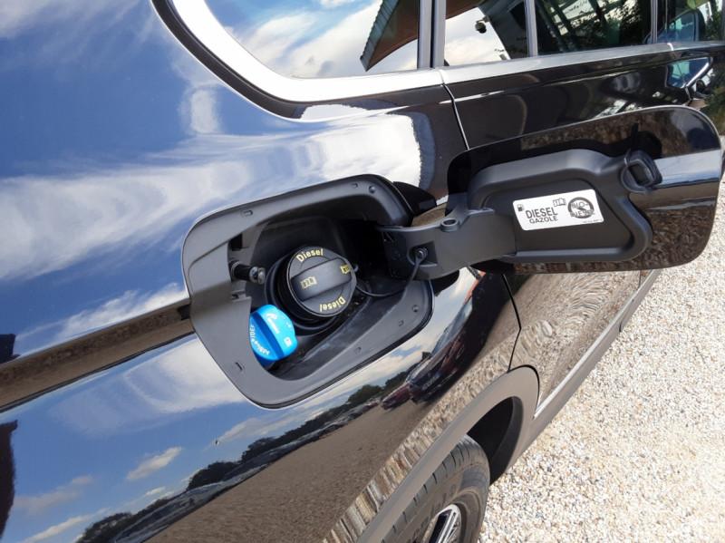 Photo 35 de l'offre de VOLKSWAGEN TIGUAN 2.0 TDI 150 BMT DSG7 4Motion Exclusive à 29900€ chez Centrale Auto Marché Mussidan