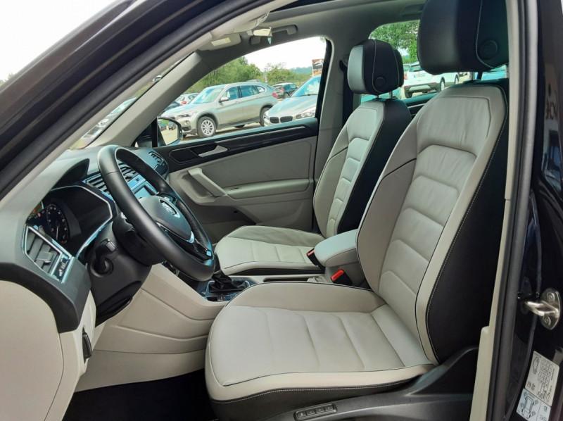 Photo 24 de l'offre de VOLKSWAGEN TIGUAN 2.0 TDI 150 BMT DSG7 4Motion Exclusive à 29900€ chez Centrale Auto Marché Mussidan