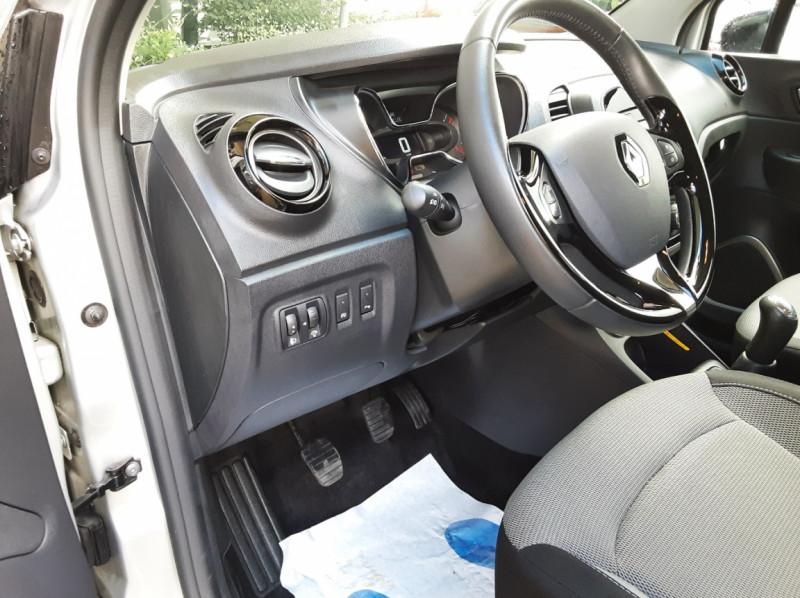Photo 31 de l'offre de RENAULT CAPTUR dCi 90 Energy eco² Business à 14990€ chez Centrale Auto Marché Mussidan