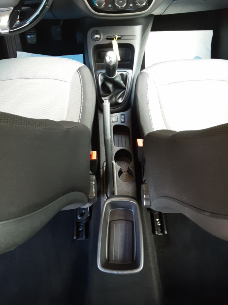 Photo 34 de l'offre de RENAULT CAPTUR dCi 90 Energy eco² Business à 14990€ chez Centrale Auto Marché Mussidan