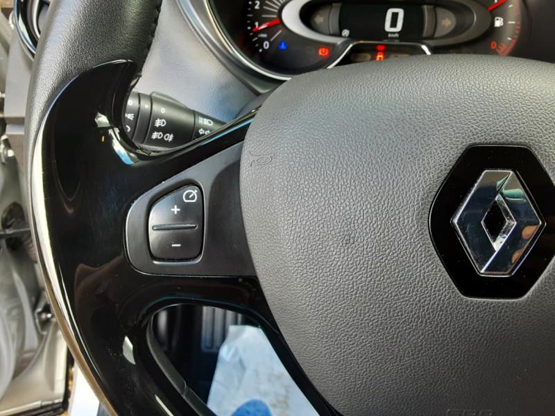 Photo 36 de l'offre de RENAULT CAPTUR dCi 90 Energy eco² Business à 14990€ chez Centrale Auto Marché Mussidan
