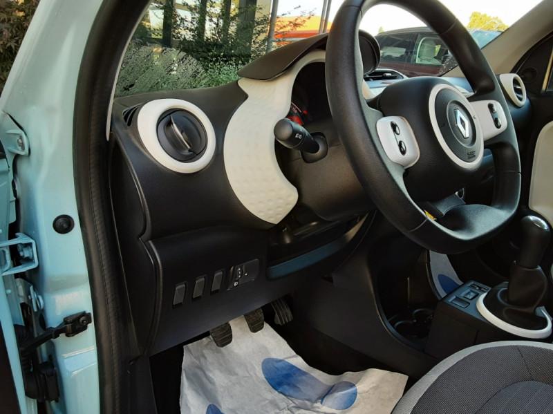 Photo 28 de l'offre de RENAULT TWINGO III 1.0 SCe 70 E6C Zen à 9490€ chez Centrale Auto Marché Mussidan