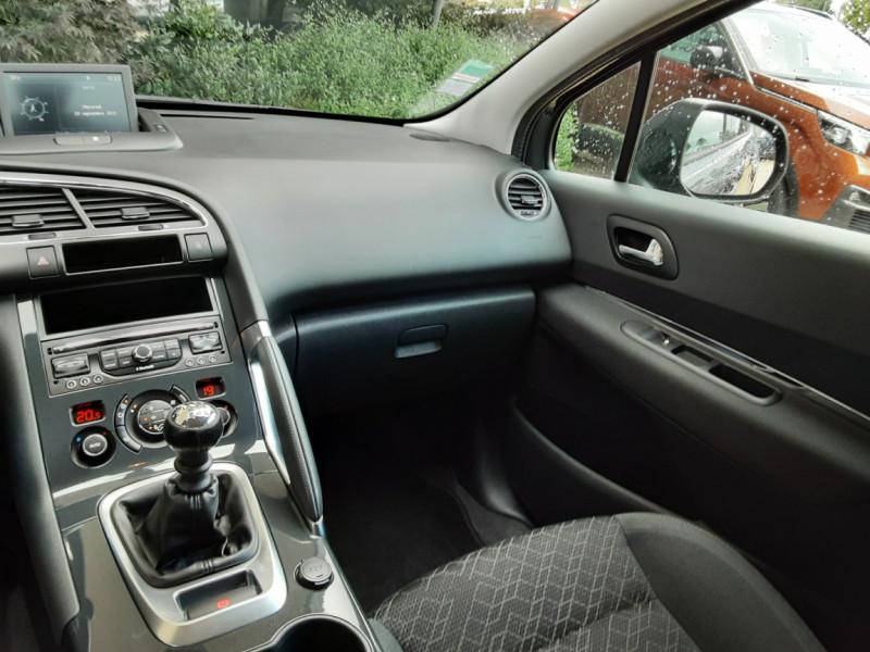 Photo 34 de l'offre de PEUGEOT 3008 3008 1.6 BlueHDi 120ch SetS BVM6 Business Pack à 11800€ chez Centrale Auto Marché Mussidan