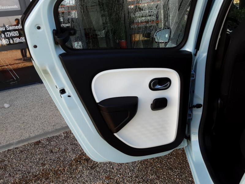 Photo 36 de l'offre de RENAULT TWINGO III 1.0 SCe 70 E6C Zen à 9490€ chez Centrale Auto Marché Mussidan