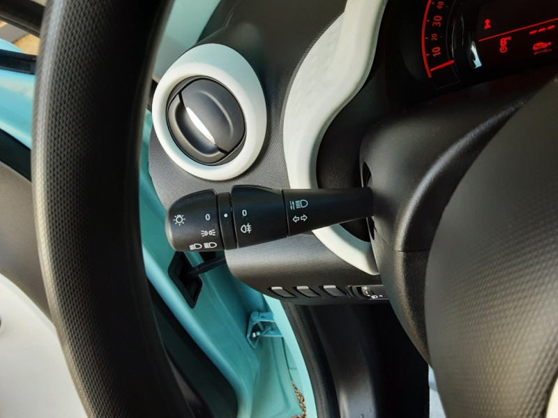 Photo 35 de l'offre de RENAULT TWINGO III 1.0 SCe 70 E6C Zen à 9490€ chez Centrale Auto Marché Mussidan