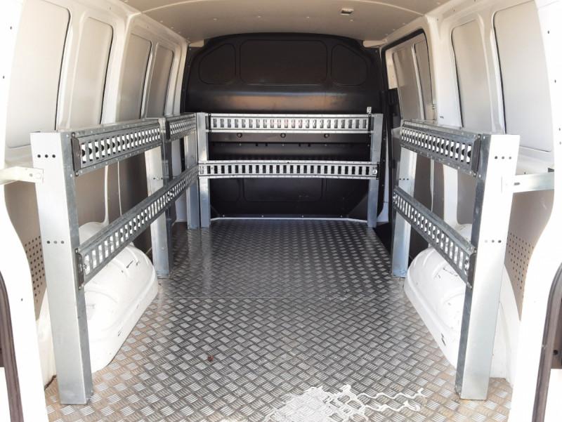 Photo 26 de l'offre de VOLKSWAGEN TRANSPORTER L1H1 2.0 TDI 102ch BUSINESS LINE à 21500€ chez Centrale Auto Marché Mussidan