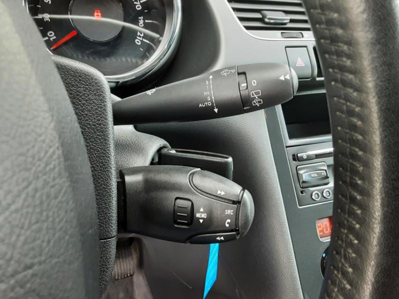 Photo 2 de l'offre de PEUGEOT 3008 3008 1.6 BlueHDi 120ch SetS BVM6 Business Pack à 11800€ chez Centrale Auto Marché Mussidan