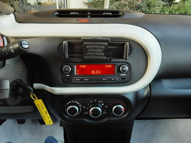 Photo 49 de l'offre de RENAULT TWINGO III 1.0 SCe 70 E6C Zen à 9490€ chez Centrale Auto Marché Mussidan
