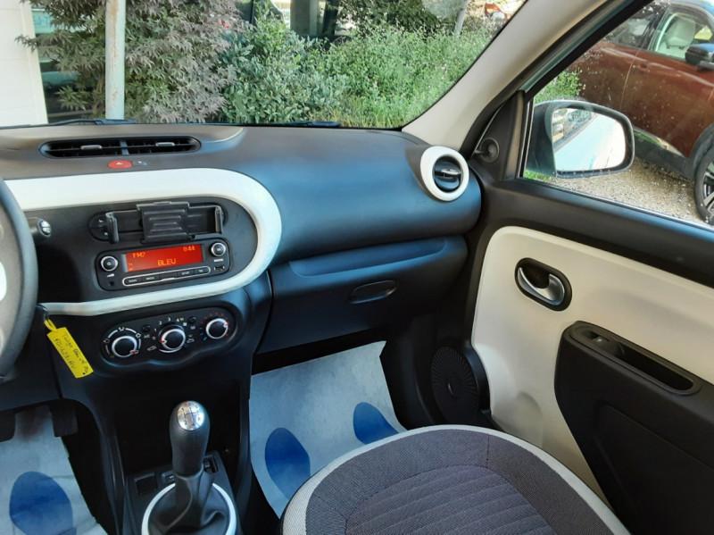 Photo 41 de l'offre de RENAULT TWINGO III 1.0 SCe 70 E6C Zen à 9490€ chez Centrale Auto Marché Mussidan