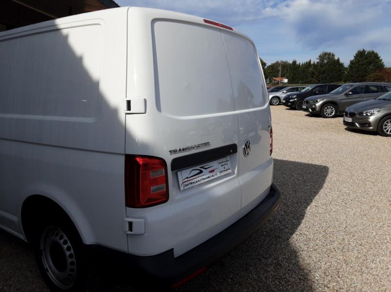 Photo 44 de l'offre de VOLKSWAGEN TRANSPORTER L1H1 2.0 TDI 102ch BUSINESS LINE à 21500€ chez Centrale Auto Marché Mussidan