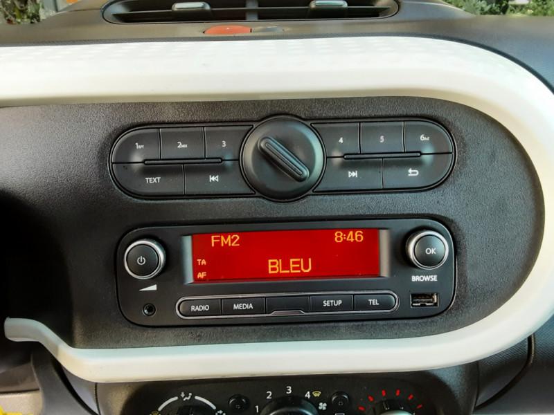 Photo 9 de l'offre de RENAULT TWINGO III 1.0 SCe 70 E6C Zen à 9490€ chez Centrale Auto Marché Mussidan