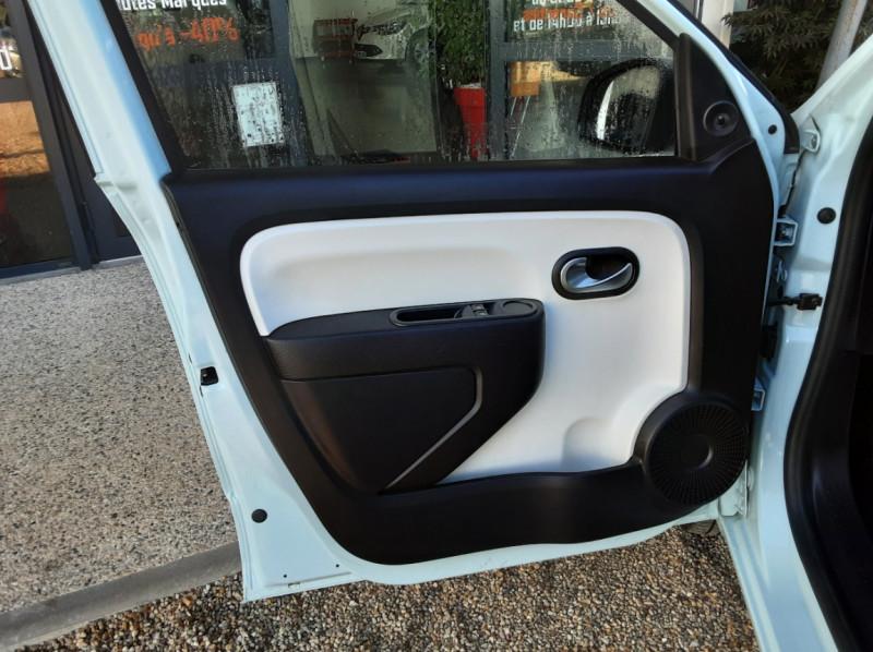 Photo 12 de l'offre de RENAULT TWINGO III 1.0 SCe 70 E6C Zen à 9490€ chez Centrale Auto Marché Mussidan