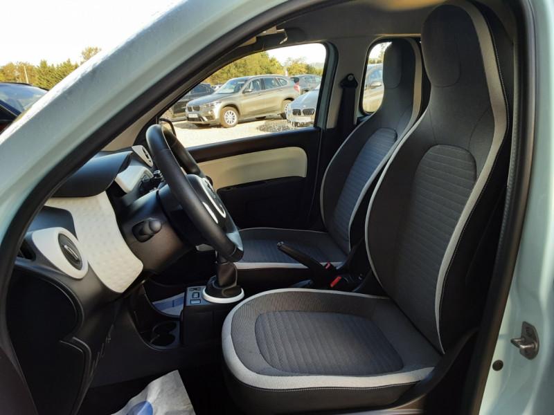 Photo 21 de l'offre de RENAULT TWINGO III 1.0 SCe 70 E6C Zen à 9490€ chez Centrale Auto Marché Mussidan