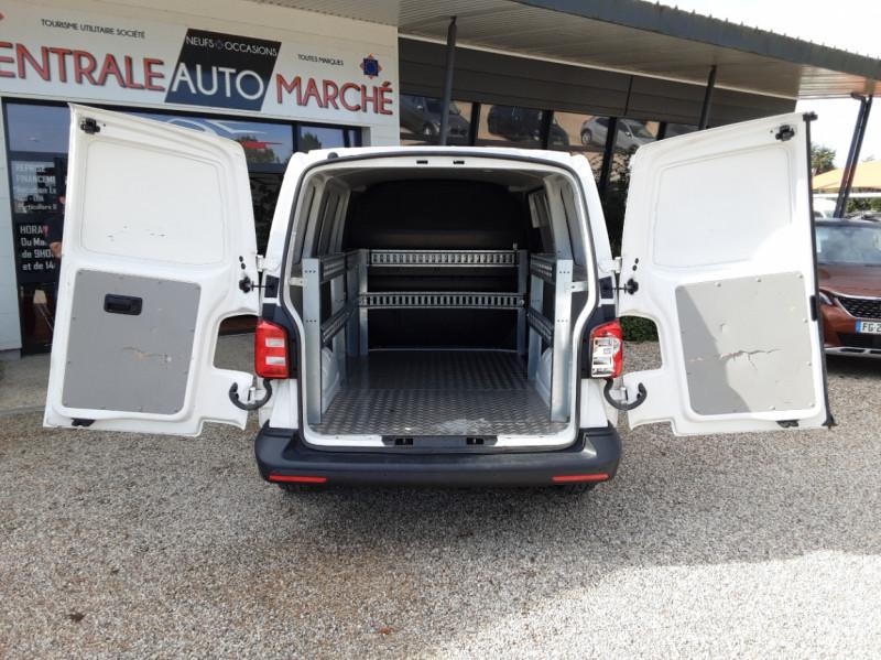 Photo 36 de l'offre de VOLKSWAGEN TRANSPORTER L1H1 2.0 TDI 102ch BUSINESS LINE à 21500€ chez Centrale Auto Marché Mussidan