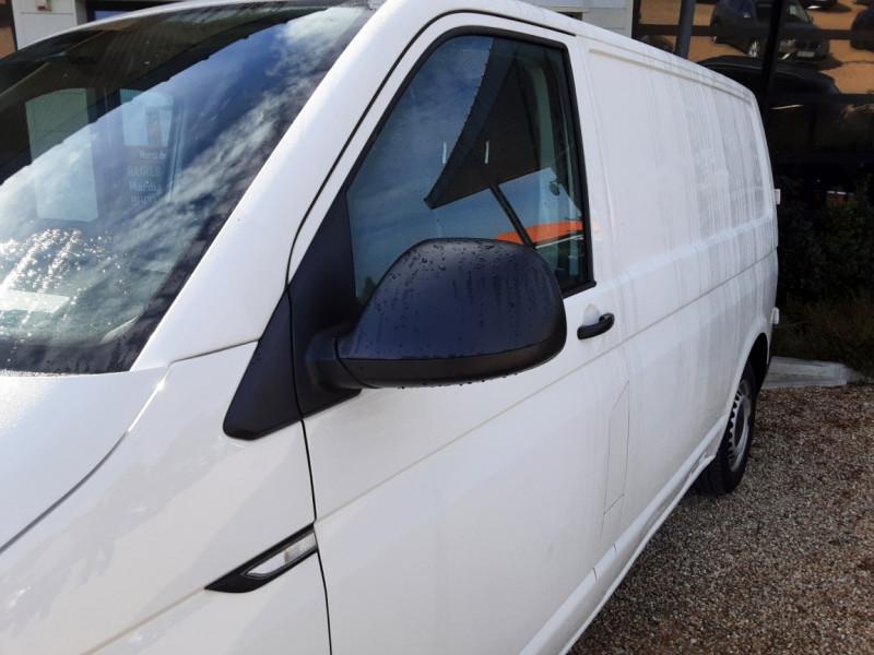 Photo 3 de l'offre de VOLKSWAGEN TRANSPORTER L1H1 2.0 TDI 102ch BUSINESS LINE à 21500€ chez Centrale Auto Marché Mussidan