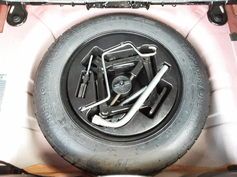 Photo 26 de l'offre de FIAT 500 C 1.2 69 ch Lounge  à 12990€ chez Centrale Auto Marché Mussidan