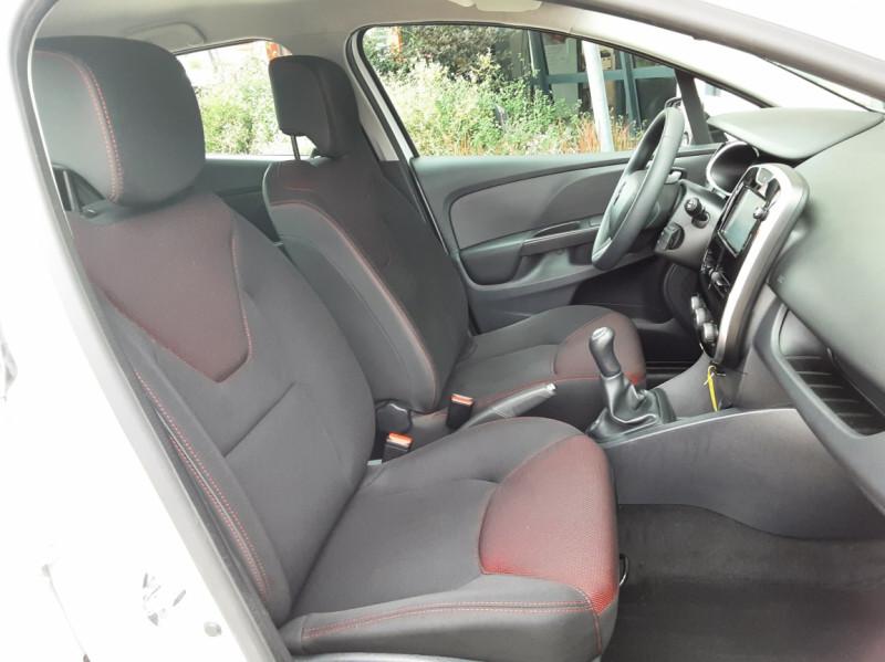 Photo 24 de l'offre de RENAULT CLIO IV Tce 75ch Trend à 8490€ chez Centrale Auto Marché Mussidan