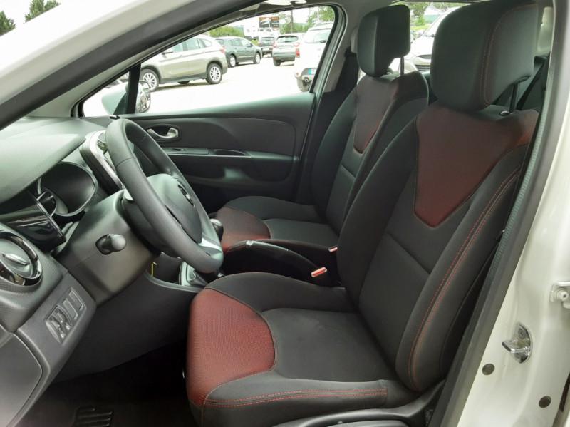 Photo 28 de l'offre de RENAULT CLIO IV Tce 75ch Trend à 8490€ chez Centrale Auto Marché Mussidan